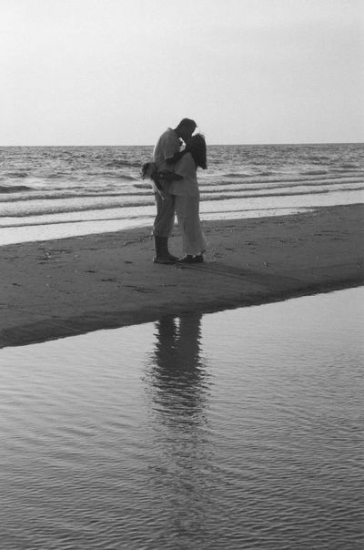 Wedding Wedding Photography Kiss Kissing Fort Myers Beach Fort Myers Florida Love Marriage  Photos That Will Restore Your Faith In Humanity Weddings Around The World