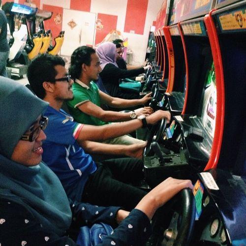 We play, we laugh, we have fun :) Arcade Daytona Potd2014 Funtime