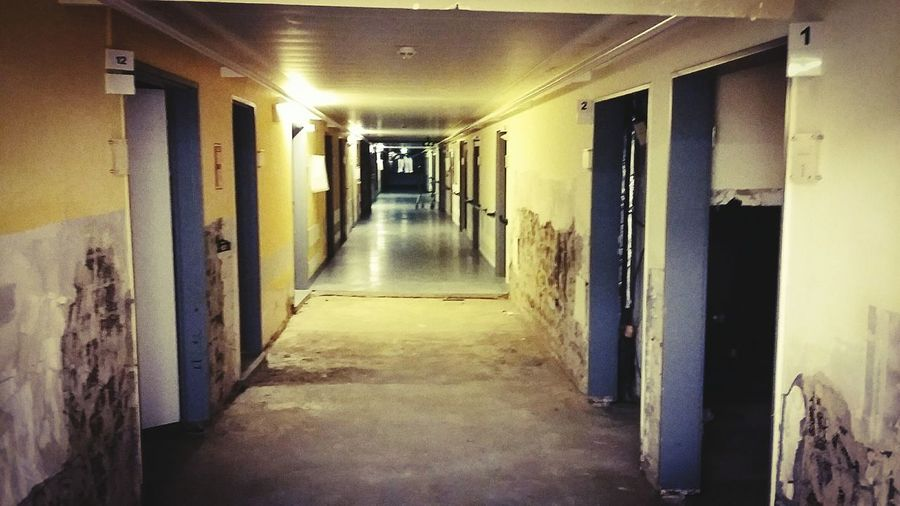 The Way Forward Indoors  Illuminated Architecture No People Baustellenromantik Langergang Krankenhaus Flure