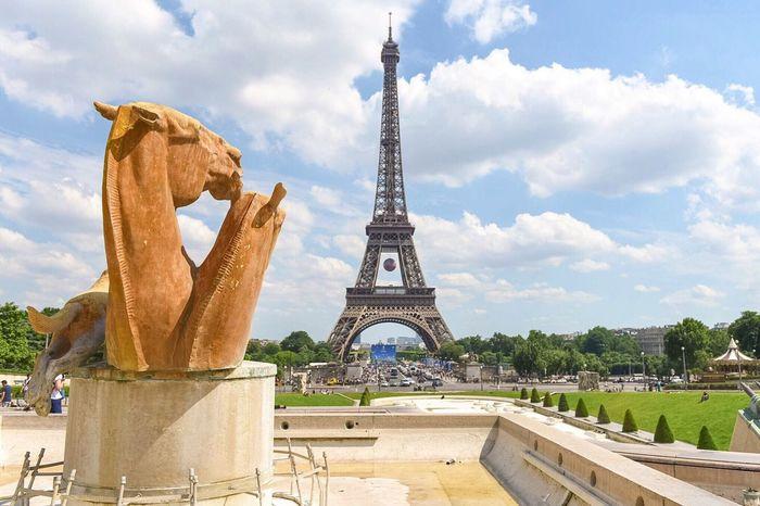 Good Evening Paris! Bonsoir Paris! Eyem Best Shot - Architecture EyeEm Best Shots Paris Parisweloveyou Photooftheday Eiffel Tower Tour Eiffel