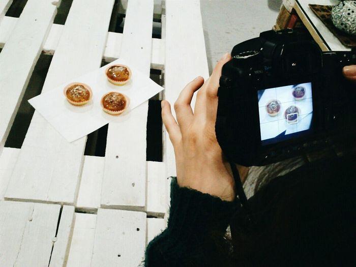 Loulola   Vegan Cupcakes Loulola Vegan Cupcakes Backstage Taking Photos Taking Photos Of People Taking Photos