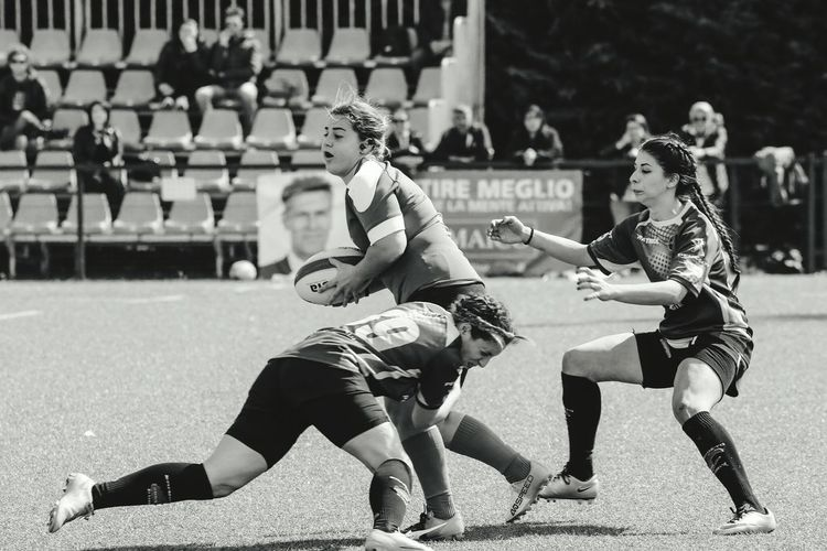 Rugby Huge!! Tackle Photooftheday Abruzzo - Italy Rugby Pitch Rugby Photographer Rugby TIME Rugbygirls Best EyeEm Shot Photographer Pescara People Teamwork Sport Day