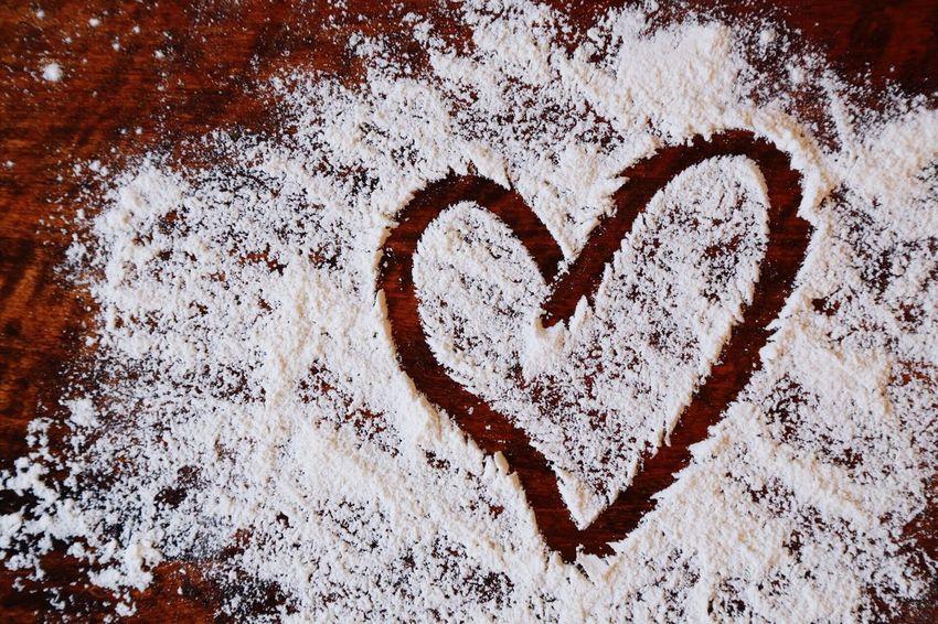 Heart Heartshape Shape Wheat Flour Baking Bakingtime Bakingtable Table Kitchen Bakery Bake Gluten Wheat