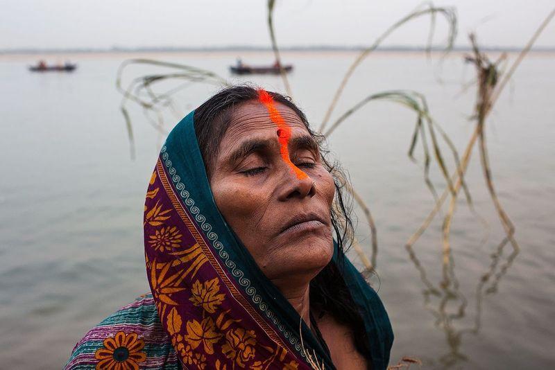 Chhath Puja rituals in the Ganges river in Varanasi, India. India Varanasi Religion Hindu Hinduism Chhathpuja Woman Ritual