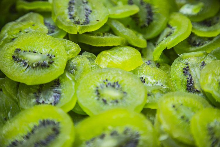 Full frame shot of kiwi slices