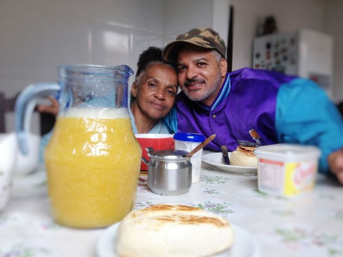Café da manhã no dia das mães Bread & Butter Breakfast Table Breakfast Time Healthy Lifestyle Heathy Food Mother And Son Mothers Day Orange Juice  Portrait Vitamin C