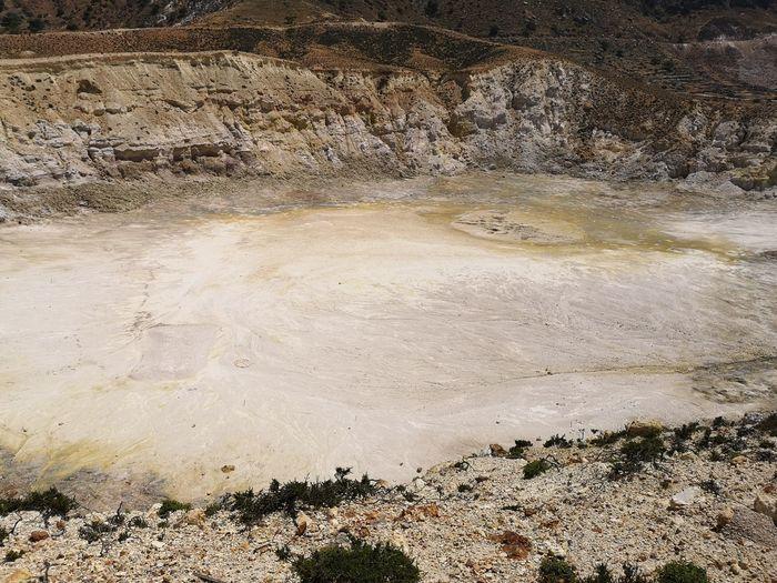 Crater Nature