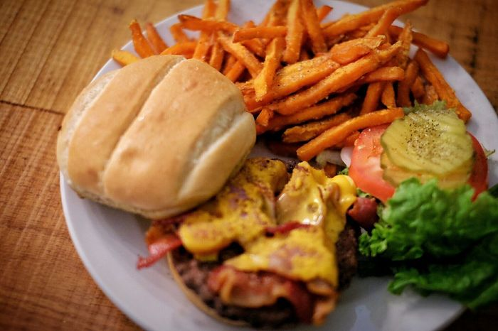 CheeseBurger Sweet Potatoes Delicious Saloon Restaurant Americana Small Town Kansas Dinner Time A Day In The Life