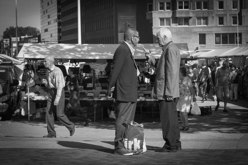 Street City Men City Life Social Issues Zerozomermissies2016 Zerofotografie.nl Streetphotography Blackandwhite Photography Showcase September Blackandwhitephotography The Netherlands City Life Connection EyeEm Gallery EyeEm Best Shots Rotterdam Blackandwhite Eyeemphotography Culture