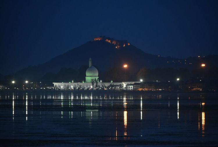 Night view of hazratbal shrine in srinagar Nightview Shrine Kashmir Srinagar Kashmir Grttyimagez Lights Water City