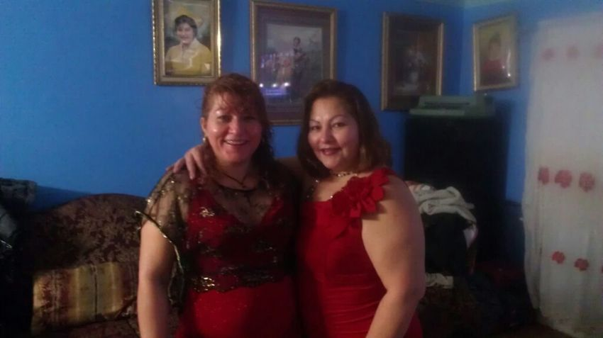 My Aunt Nd My Mom. Moms Onna Right