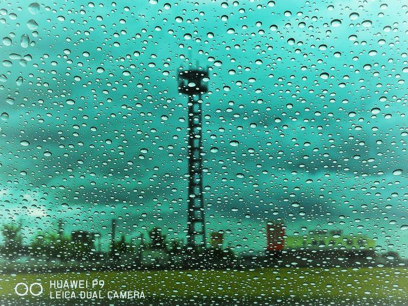 雨 窓 水滴 雨粒 曇り空 空 アンテナ Rain Rainy Days Raindrops Waterdrop Cloudy Sky Sky Drop Antena Instagood EyeEm Nature Lover EyeEm Best Shots EyeEm Gallery 写真すきな人と繋がりたい EyeEm 写真好きな人と繋がりたい 写真撮ってる人と繋がりたい 青空 Beauty In Nature