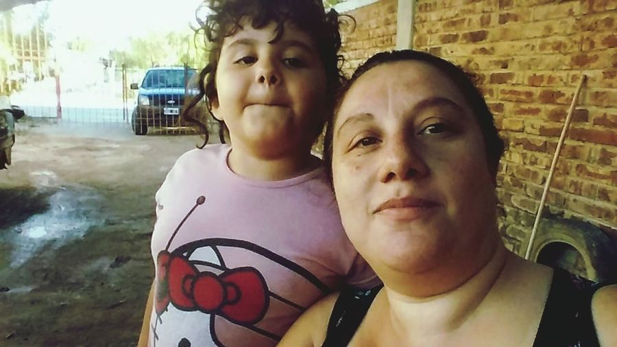 Mamá Y Hija Two People mika y Karina