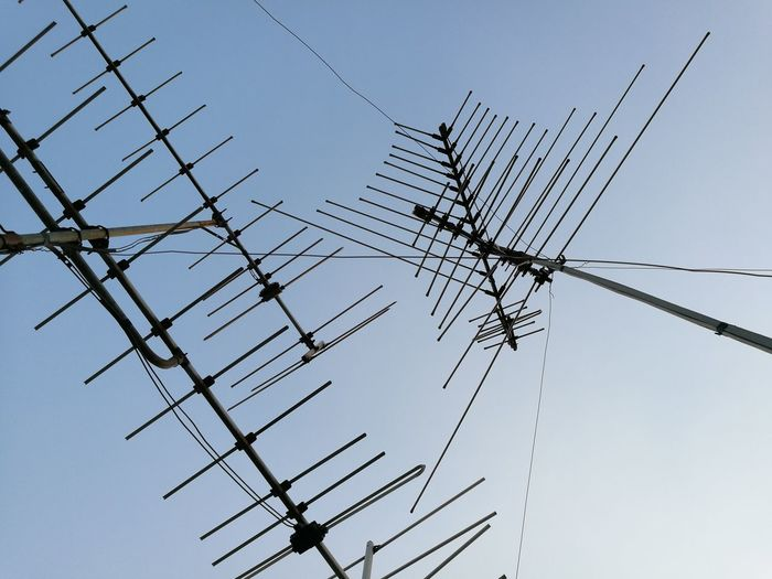 sky Sky Pettern No People Day Outdoors Telephone Line Technology Electricity Pylon Telecommunications Equipment Electricity  Cable Antenna - Aerial Power Line  Power Supply