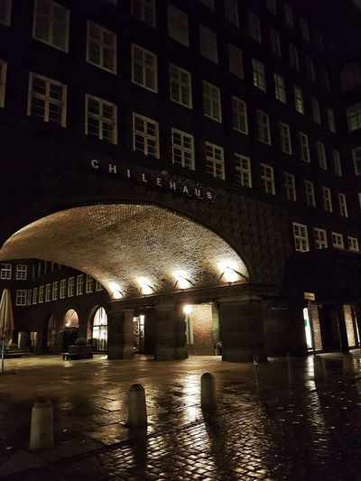Incredible brick architecture. Architecture Backstein Building Exterior Built Structure Chilehaus Chilehaus Hamburg City Illuminated Night