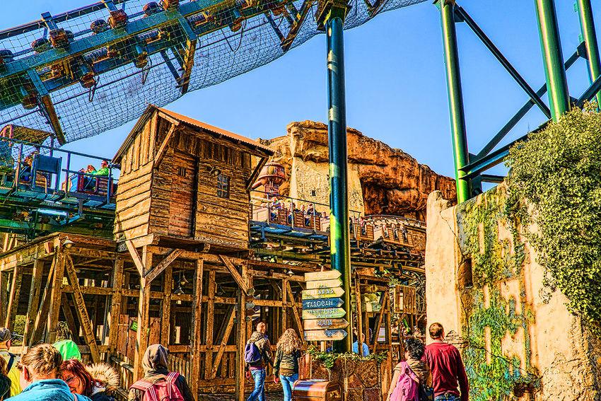 Phantasialand Achterbahn Amusement Parks Architecture Building Exterior Built Structure Clear Sky Lifestyles Outdoors Parque De Atracciones Phantasialand Pretpark
