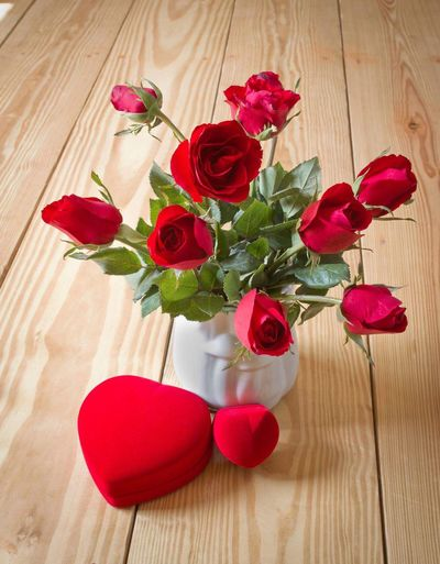 Valentine set Flower Rose - Flower Wood - Material Petal Red Vase Freshness Flower Head No People Table Indoors  Fragility Nature Bouquet Beauty In Nature Close-up Day love Blooming