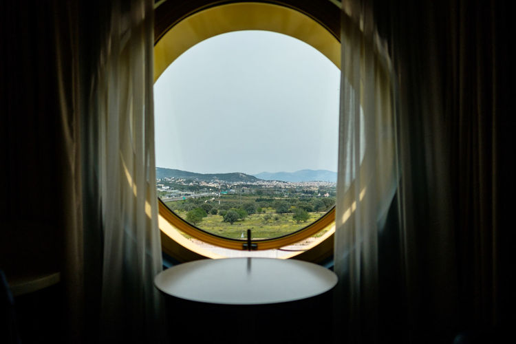 A round hotel