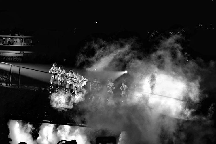 #Beyonce JayZ Concert Convert Beyonce ❤ Minniapolis JayZAndBeyonce Motion Architecture Night Illuminated Built Structure City Building Exterior