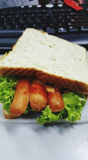 Bread Food Freshness Meal Gourmet Ready-to-eat Sandwich Time Sandwich Vegetable Vege Sausage Sausage Dog White Breakfast Breakfast Time Breaktime Day Fresh Bread Plate Healthy Eating Freshnesss