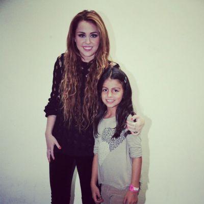 @mileycyrus @linilove0o Smilers Milesbians Mileyisnotugly Mileycyrus NoHateForMiley