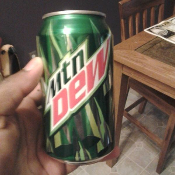 Crack in a can im bout to be feenin Mmmmmmmmm Crack