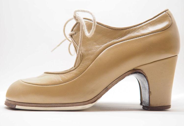 Flamenco shoes Beige Dance Dancing Flamenco Spanish WomensFootwear Close-up Craftsmanship  Cuban Heel Dance Shoes Fashion Flamenco Dancer Flamenco Shoes Footwear High Heels Leather No People Shoe Side View Womens Shoes Womenswear