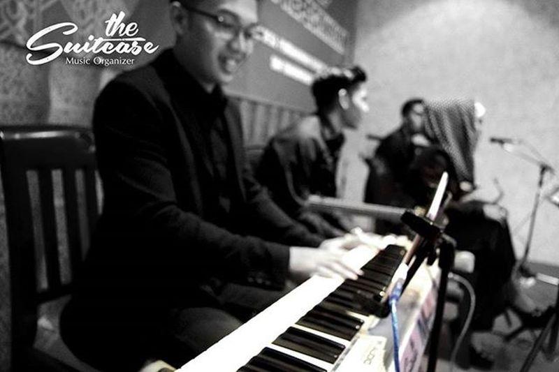 "Gigs The Suitcase Music Organizer . 06 Nov 15. ""Workshop Bidang Kepegawaian. Kementrian Desa, Pembangunan Daerah Tertinggal dan Transmigrasi."" The Suitcase Music Organizer. For your Event, Company Gathering, Wedding Party, Birthday Party, Products Launching, etc. For more info / booking : Instagram : @thesuitcase_mo LINE ID : bagjabagja / bhismamoo Call : bagja alghafuri (+62)81-394-412-515 / bhisma moo (+62)81-572-156-668 Rnb Pop Jazz Alternative Thesuitcase_mo Gigs Event Wedding Weddingmusic Weddingentertainment Musicentertainment WeddingOrganizer Weddingbandung Musikbandung Bandung INDONESIA Band Party HappyBirthday Birthdayparty Gathering Company Launching Launchingparty Promo promnite cafe majahouse vanillakitchen"