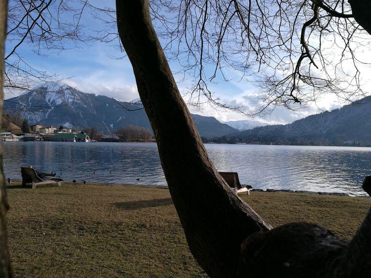 Mountain Lake Mountain Range Water Nature Scenics Snow