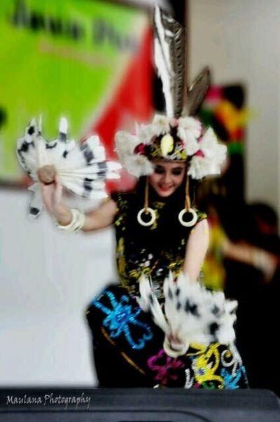 """Eksotika Borneo""-Traditional Dance-Dayak Culture-The Princess Dances on Gong Balikpapan INDONESIA A&R Studio Awesome Performance"