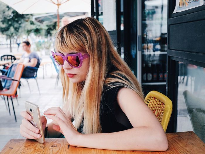 VSCO VSCO Cam Color Portrait Portrait Portrait Of A Woman Portrait Of A Friend Sunglasses Open Edit OpenEdit FujiX100T Girl Beauty Vscocam Youth Of Today Fresh on Market April 2016 Internet Addiction Mobile Conversations