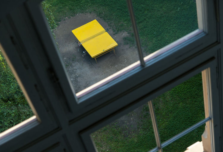 Frame It! Framed Loneliness Outside Table Table Tennis Yellow Yellow Color