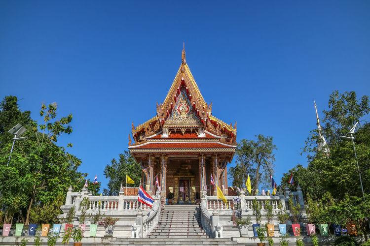 Pakoh temple against clear blue sky