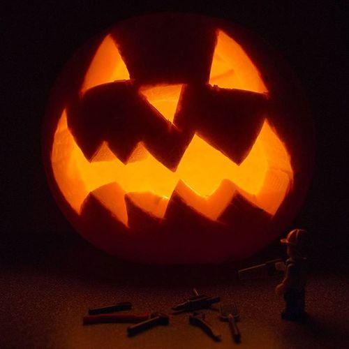 Admiring yesterday's Halloween handiwork. LEGO Legophotography Legominifigures Legobuilder Womenintoyphotography Bricknetwork Brickcentral Vitruvianbrix Bnspooks Legohalloween Pumpkincarving Pumpkin