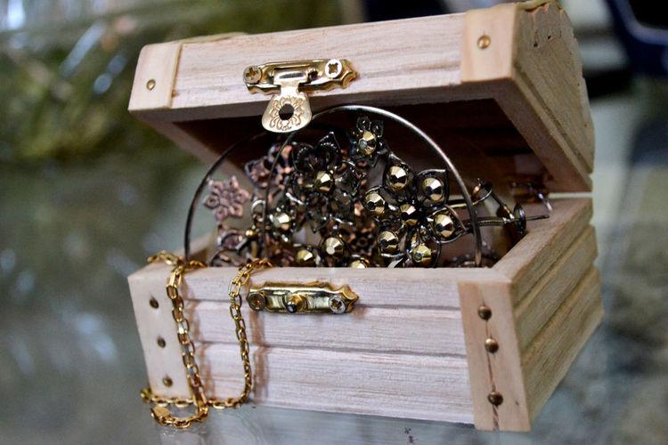 Old-Fashioned Jewelry Box
