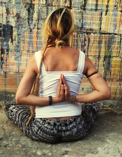 Postura da montanha Posturadamontanha Color Tadasanapaschimanamaskar ThatsMe Moment Dreadslocks Dread Ioga Yoga Blond