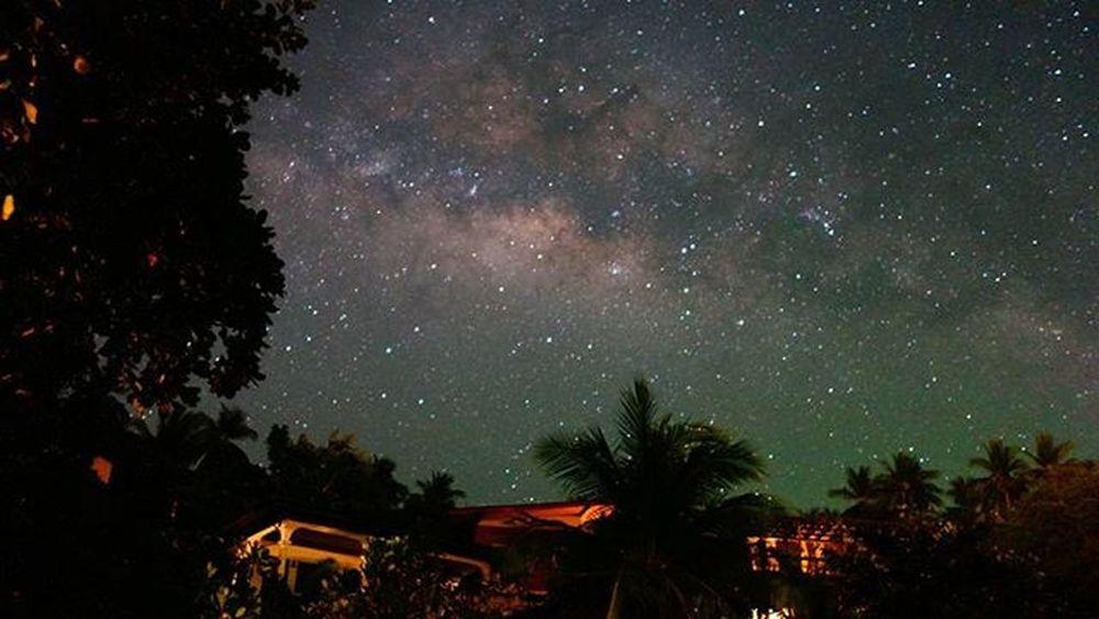 Milkyway in Koh Tao. Kohtao Thailand Stars Beach Milkyway Universe Heavens Starynight Stargazing Islandlife Travel Backpacking Nofilter