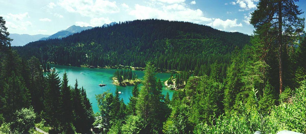 Switzerland 🗻 Graubünden Holiday Enjoying Life Nature Lake With Friends