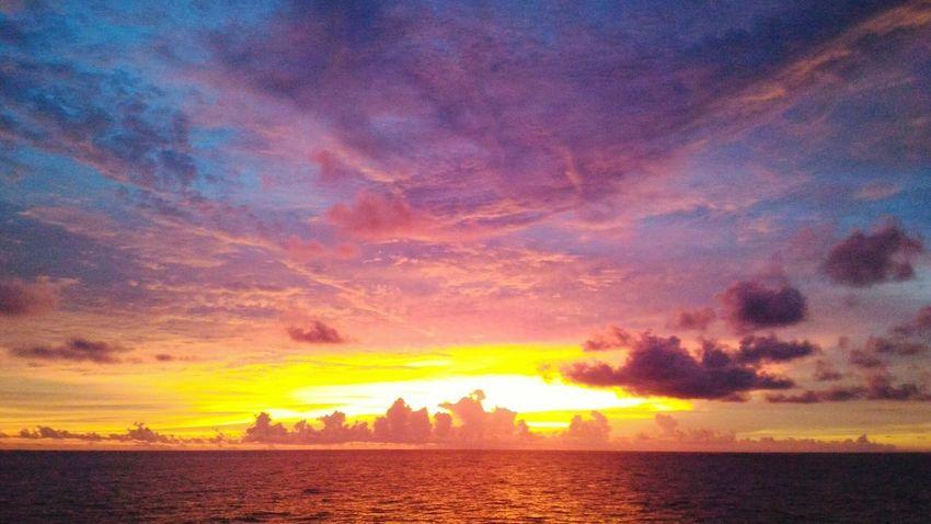 EyeemPhilippines Helloeyeempeople Checkthisout Marino Beauty In Nature Like4like Sunset Dramatic Sky Cloud - Sky Beauty No People Horizon Over Water Rizhao China Water Sea Nature