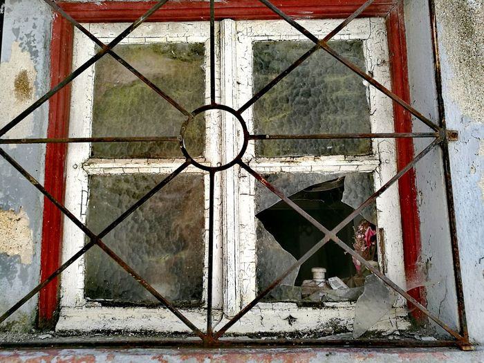 Old Buildings Ironwork  Windows Glazing Old Town Glass Objects  Guarda, Portugal Lines And Shapes Arquitecture Simetry