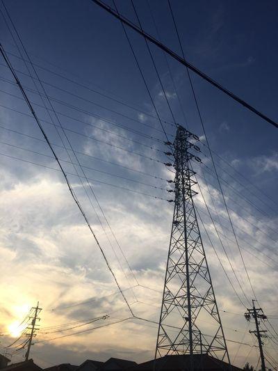 夕陽 夕焼け Sunset 鉄塔 Pylon 空 Sky 電柱 Utility Pole 電線 Electric Wires