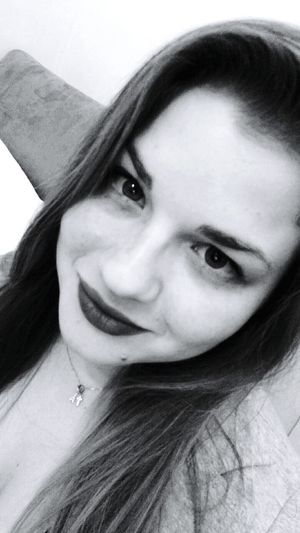 Blackandwhite Todays Hot Look Black & White Me ThatsMe Black And White Thats Me  Self Portrait Selfie Sexygirl Lips BlackLips Sexylips Sexy Bootylicious Curvy Curvy Girl Curvygirl Curvy & Beautiful Today's Hot Look Mole Hello World Muah  Eye4photography  EyeEm Gallery