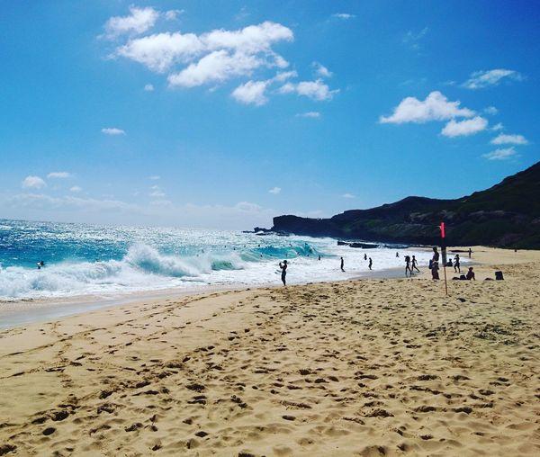 Sun, beach, fun, what else?! Hawaii Holiday Waves