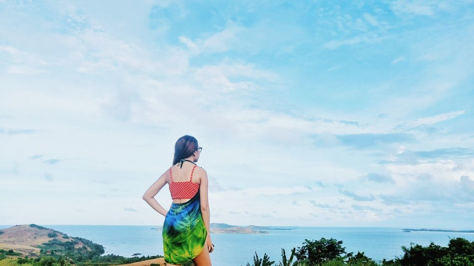 Top of the world looking. Girl Sky Sky And Clouds Skyline Traveling Travel Photography Landscape_photography Tropical TropicalIsland  Philippines Travelph