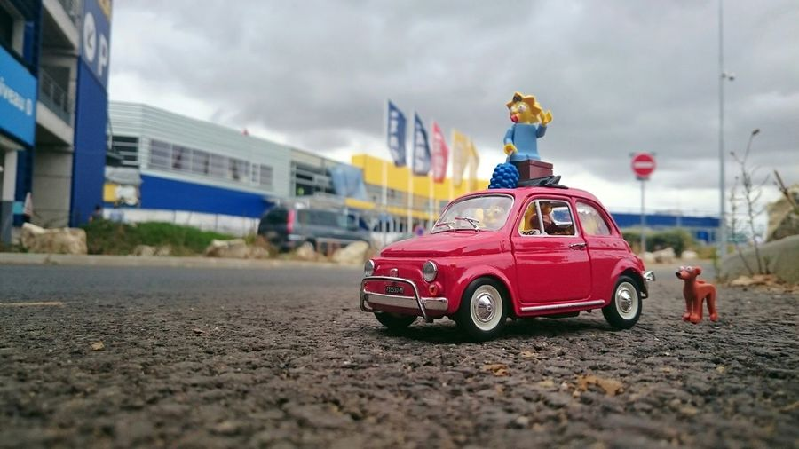 D'HO !! Viens ici ! Monte pitit chien ! The Simpsons Homer BART Marge Maggie Lisa Fiat500 IKEA