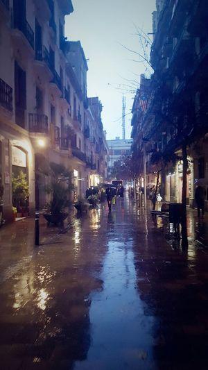 Nadie tiene derecho a llover en tus sueños.-Marian Wrigth Edelman Rain Wet Street Rainy Season Weather Torrential Rain Water City Street Reflection City Architecture Extreme Weather People