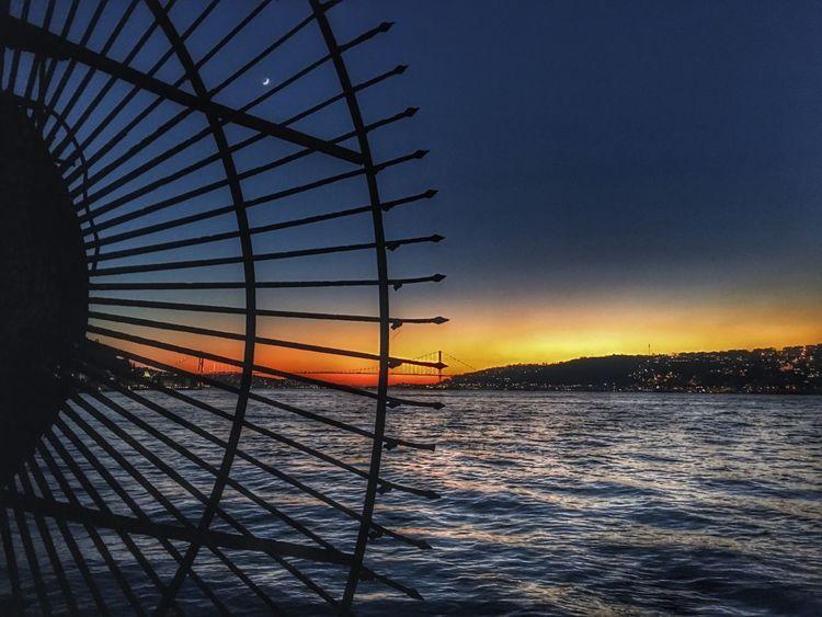 Bir ay doğar ilk akşamdan geceden Cengelkoy Istanbul Istanbuldayasam Kuleli Check This Out Night Lights Beauty In Nature Sky Boshphorus Shades Sunset_collection Sunset Silhouettes BestEyeemShots