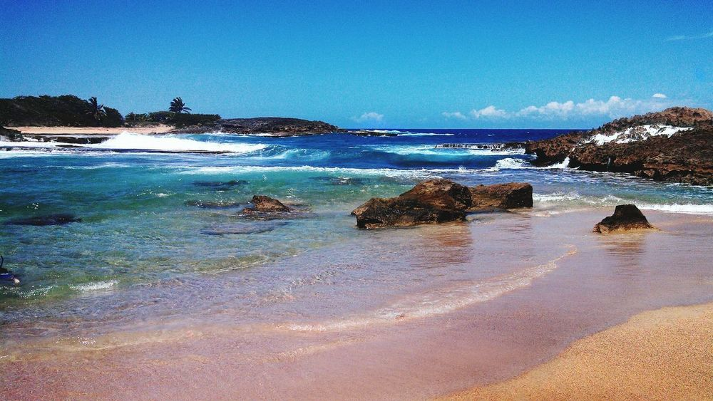 poza las mujeres Playa Olas Del Mar Puerto Rico Borikén Isla Del Encanto Love This View Nature Beachphotography Sunny☀ Check This Out