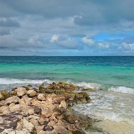 OCEANVIEW. CANCUN, MEXICO. 2.45 PM Cancun Cancunmexico Cancun2015 Instagrammexico Lovesmexico Mexicomaravilloso Mexico_maravilloso Igersmexico IG_MEXICO Vivamexico Vive_mexico Ocean Oceanomare HechoenMéxico Mexicocolors Mexicoandando Travel Travelinmexico Doyoutravel ILoveMexico Messico  Zonahotelera