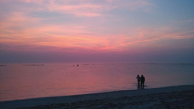Beach Sea Sand Horizon Over Water Water Silhouette Landscape Pink Color Tranquility Beauty In Nature Sky Full Length Breaking Dawn Summer Vacations Mobile Phone Photography Eyeem Philippines Lgv20photography Lgv20 Horizon